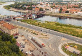 Nuo pirmadienio Aleksoto tiltu atnaujintas eismas: kokios naujovės?