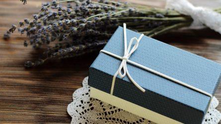 Lietuviškų verslo dovanų pasirinkimas: kokios džiugins labiausiai?