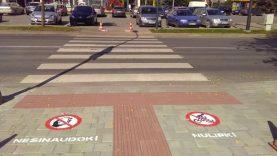 Prie Joniškio pėsčiųjų perėjų – piešti įspėjamieji ženklai