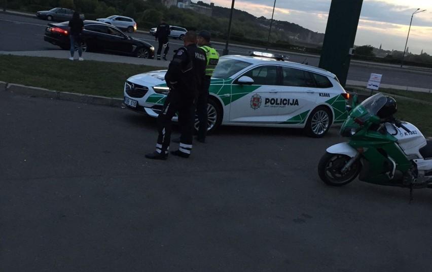 Antradienio vakarą pareigūnai tikrino, kaip vairuotojai laikosi kelių eismo taisyklių