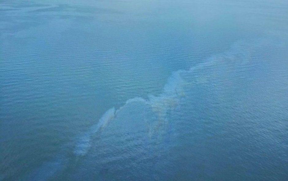 Aplinkosaugininkai tiria du Baltijos taršos naftos produktais incidentus
