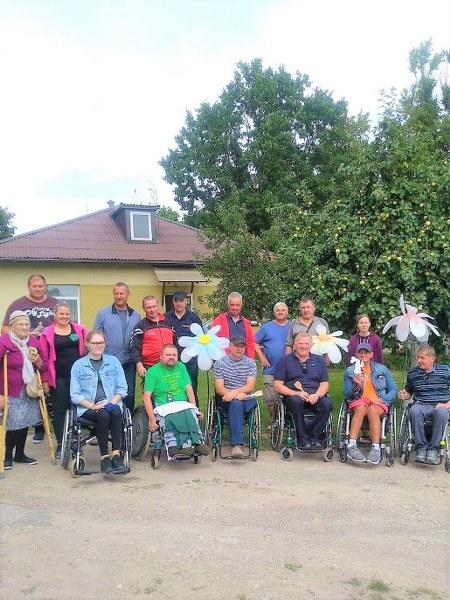 Pakruojo rajono neįgaliųjų vasaros stovyklos dalyviai lankėsi Linkuvos socialinių paslaugų centre