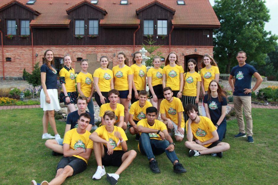 Vilkaviškyje susirinkęs jaunimas eksperimentuoja stereotipų ir socialinės lygybės tema