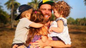 Trijų vaikų tėtis Simonas Urbonas - apie didžiausius iššūkius auginant vaikus
