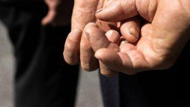Nuosprendį išgirdo senutę sumušęs ir prievartavęs vyras