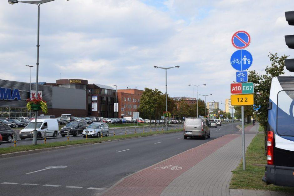 Automobiliai nebestovės Nemuno gatvės dalyje