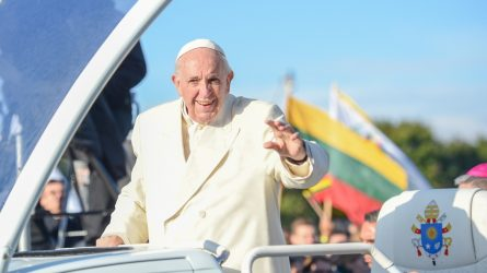 Popiežiaus vizito Lietuvoje metinėms – malda už Šventąjį Tėvą ir jo žodžiai mums