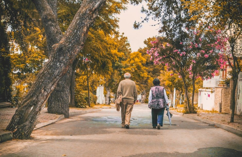 Istorijos išgirstos keliaujant autobusu: Vaizdelis iš kaimo bendruomenės gyvenimo