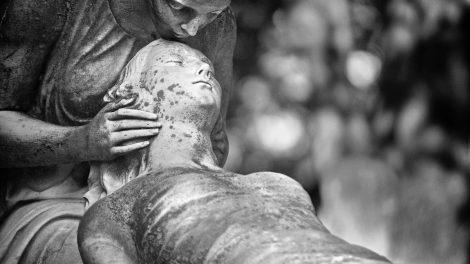 Atsargiai - mirtį nešantis mobingas