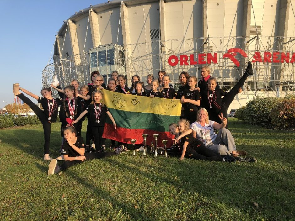 Šiaulių šokėjai raškė medalius pasaulio čempionate