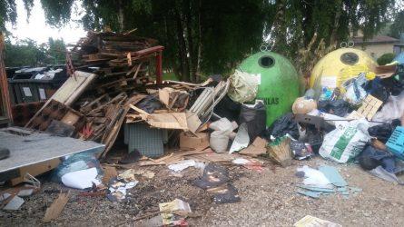 Už šiukšlinimą gali tekti mokėti nuobaudas arba pabrangs atliekų išvežimas
