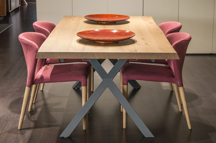 Kodėl virtuvės kėdes pravartu pirkti internetu?