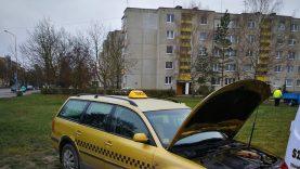 Pareigūnams nepaklususį girtą taksi vairuotoją sustabdė dujotiekio ženklas