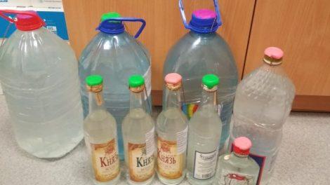 Pareigūnai įspėja – tokie alkoholio gaminiai gali būti pavojingi sveikatai