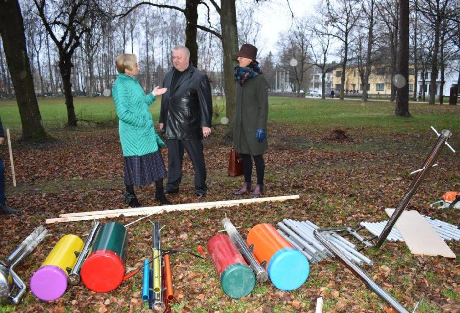 Senamiesčio parke iš naujo suskambės muzikos instrumentai