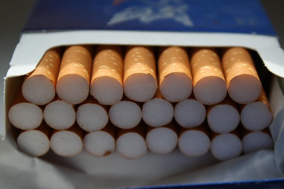 12 tūkst. cigarečių pakelių be banderolių atvedė kuršėniškį į teismą