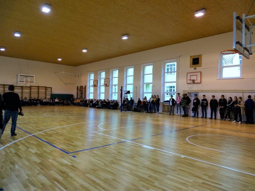 Skuodo Pranciškaus Žadeikio gimnazijos mokiniai jau gali sportuoti atnaujintoje salėje