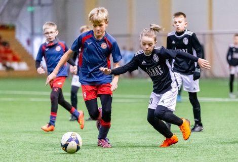 Marijampolę sudrebino tarptautinis vaikų futbolo turnyras