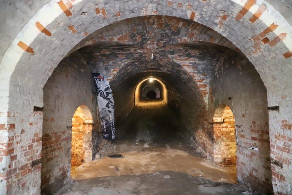Naujos pramogos Kauno rajono fortuose: nuo kirvio sriubos iki žirgų