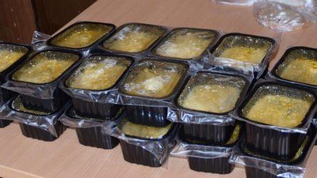 Karšta sriuba šildys sunkiai besiverčiančius
