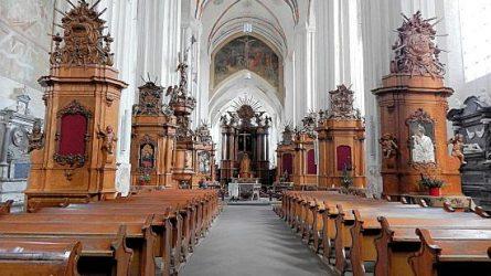 Vilniaus Šv. Pranciškaus Asyžiečio (Bernardinų) parapija Šv. Kalėdų dieną prie pietų stalo kviečia per 100 stokojančių