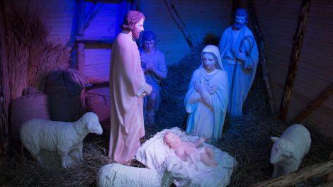 Šventų Kalėdų prieangyje