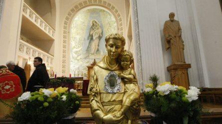 Šventojo Antano Paduviečio relikvijos aplankė Telšių katedrą