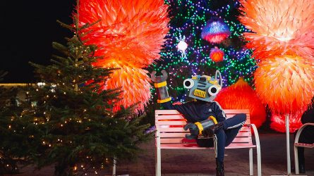 Švenčių įspūdžiais gyvenantis Kaunas atsisveikino su kosminių Kalėdų miesteliu