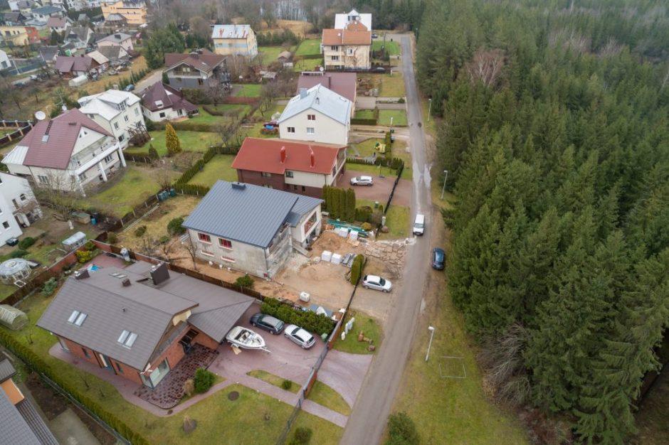 Individualaus namo savininkui teks išsipirkti užimtą valstybinę žemę