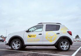 Mobiliems laiškininkams bus išdalinti 440 nauji tarnybiniai automobiliai