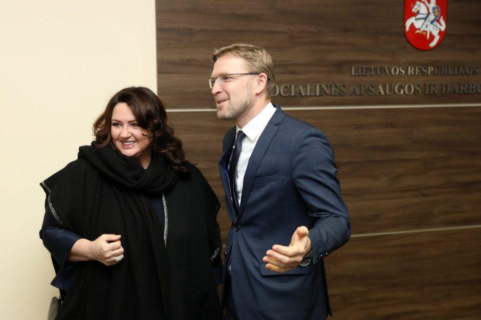 Ministras L. Kukuraitis susitiko su Europos Komisijos komisare lygybės klausimais H. Dalli