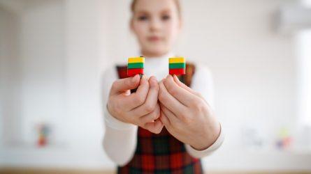 Visi iš užsienio grįžę vaikai bus priimti į bendrojo ugdymo mokyklas