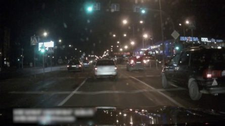 Aktyvus ir atsakingas šiaulietis neleido išsisukti nuo teisingumo lengvabūdžiam vairuotojui (video)
