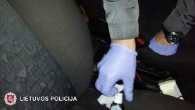 Laisvės atėmimo bausme nuteisti automobilių pardavėjus apgaudinėję sukčiai