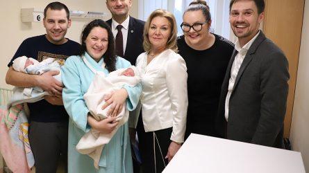 Pirmieji 2020 metų Šiaulių kūdikiai gimtadienius galės švęsti mero kabinete