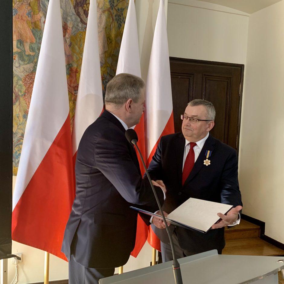 Lenkijos infrastruktūros ministrui A. Adamczyk įteiktas apdovanojimas