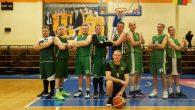 Atsakomosiose krepšinio rungtynėse pergalę pelnė rajono mero suburta komanda