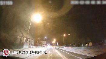 Girtų vairuotojų kaskadiniai triukai Kuršėnuose (video)