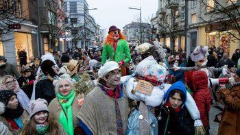 Šiaulių miesto centre audringai kviestas pavasaris
