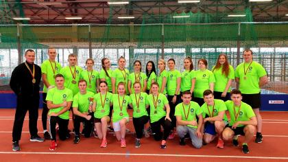 ŠVK lengvaatlečiai pasipuošė medaliais ir džiaugiasi komandine III vietos taure