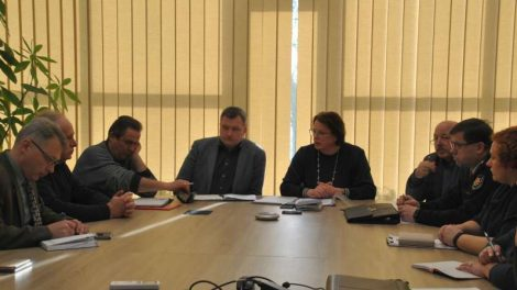 Priimtas sprendimas atidėti savivaldybės įstaigų organizuojamus renginius