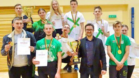 Lietuvos svarsčių kilnojimo čempionate – mažeikiškių pergalės