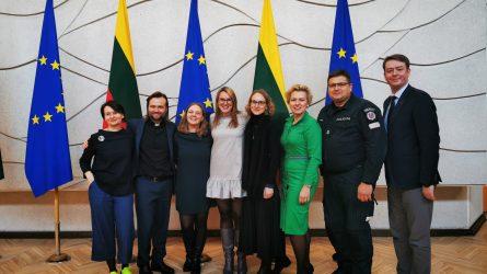 """""""Kurk Lietuvai"""" savanorystės skatinimo iniciatyva sulaukė palaikymo Vyriausybėje"""