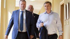 """R. Karbauskis teigia žinąs, ar S. Skvernelis ves """"valstiečių"""" sąrašą, šis neigia tai sakęs"""