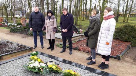Nepriklausomybės dieną pagerbtas Lietuvos Nepriklausomybės Akto signataro atminimas