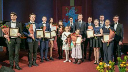 Vilnių garsinantiems moksleiviams išdalyti Mažojo Kristoforo apdovanojimai