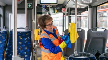 Viešasis sostinės transportas dažniau vėdinamas ir dezinfekuojamas