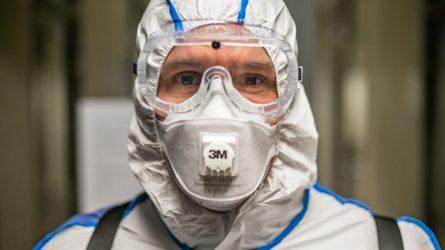 Vilnius stiprina medikų apsaugą: įsigijo 20 tūkst. respiratorių, perka ventiliavimo aparatus