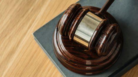 Už saviizoliacijos ir karantino taisyklių pažeidimus – beveik dešimt kartų didesnės baudos