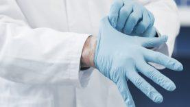 Rekomenduojama riboti parduodamus dezinfekcinio skysčio ir apsaugos priemonių kiekius